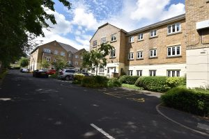2 Bedroom Furnished second floor apartment with allocated parking in Selly Park